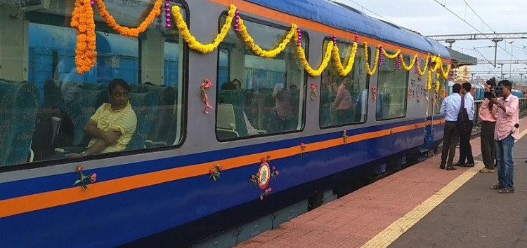 नैनी-दून शताब्दी एक्सप्रेस की समय सारणी बदले रेलवे: हाईकोर्ट