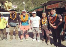 चौखम्बा -1 का ब्रिटिश पर्वतारोहियों ने किया सफल आरोहण