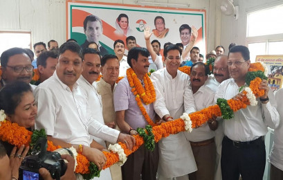 समाजसेवी राजेश्वर पैन्यूली अपने साथियों के साथ कांग्रेस में शामिल
