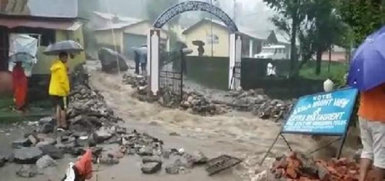 मुनस्यारी में फटा बादल , घरों में घुसा पानी; मलबे में दबकर महिला की मौत