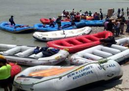 गंगा में न्यायालय के आदेश के बाद राफ्टिंग बंद होने से लौटे हज़ारों पर्यटक