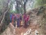 ग्रामीण महिलाओं ने खुद ही बना डाली गांव की सड़क