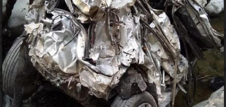 कार खाई में गिरने से पति-पत्नी और बेटे की मौत